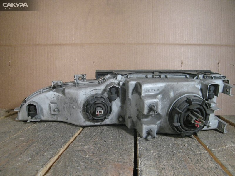 Фара Toyota Liteace CR30G  Красноярск Сакура Моторс