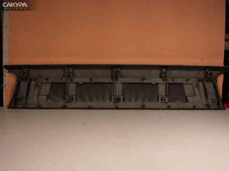 Решетка радиатора Mitsubishi Delica P03W  Красноярск Сакура Моторс