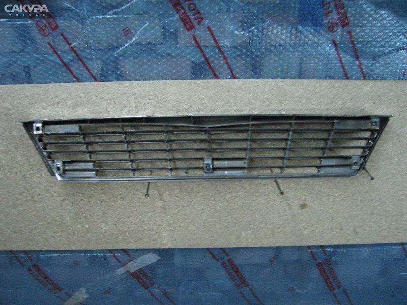 Решетка радиатора Nissan Laurel HC34  Красноярск Сакура Моторс
