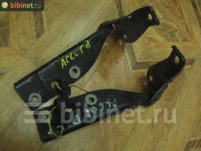 Купить Петлю капота на Honda Accord CF4 F20B  в Красноярске