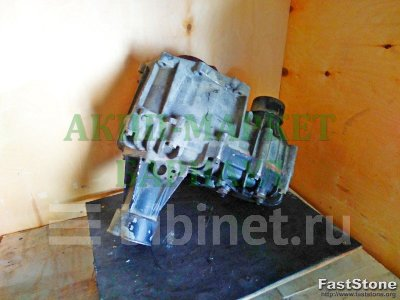 Купить Раздаточную коробку на Toyota Hiace  в Барнауле