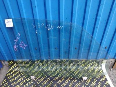 Купить Стекло боковое на Honda Stepwgn RF1 переднее правое  во Владивостоке