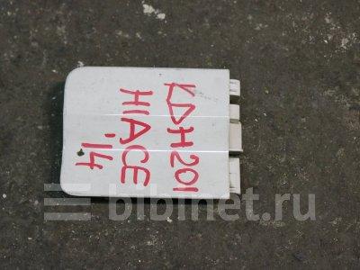 Купить Ограничитель двери на Toyota Hiace 2014г. задний правый  в Иркутске