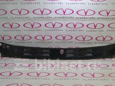 Купить Решетку под лобовое стекло на Mitsubishi Pajero V45W  во Владивостоке