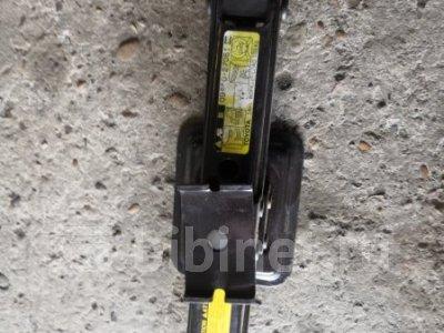 Купить Домкрат на Toyota Liteace KM70 7K  в Благовещенске