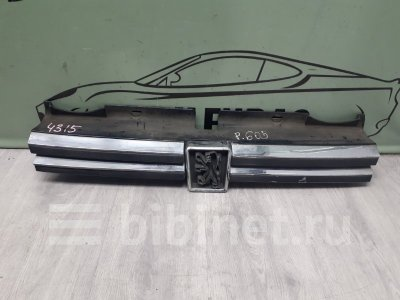 Купить Решетку радиатора на Peugeot 605 верхнюю переднюю  в Санкт-Петербурге